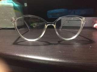 Frame kacamata transparan