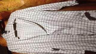 Long blouses in cream!