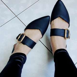 黑色尖頭低跟高跟鞋(2cm)