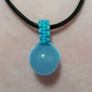 🐳Blue Chalcedony pendant(蓝玉髓吊坠) set in Macrame, Simple and nice. Bead size 14mm. Include Rope chain.