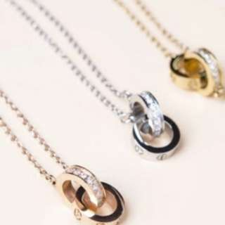 Screw design double ring necklace