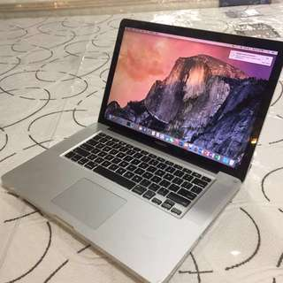 Macbookpro core i7 8gb ram 500gb hdd good for autocad photoshop rendering video editing office etc.