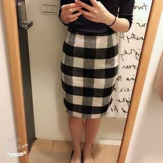 🚚 Pazzo全新格紋窄裙
