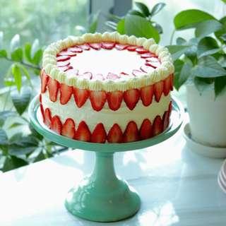 Japanese Light Sponge Cake with Swiss Meringue Buttercream and Strawberries