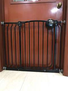 Lucky Baby Safety Gate with 18cm  extension