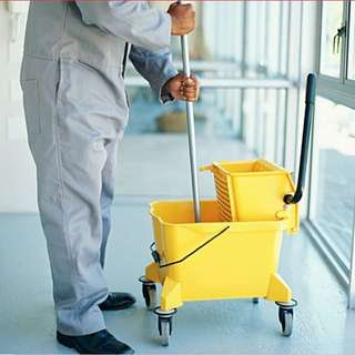 Airport Cleaning Specialist