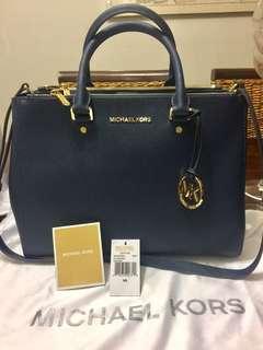 Authentic Michael Kors Bag : LARGE SATCHEL BAG