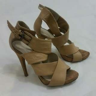 Wittner 'Sharpei' nude beige strappy heels size 38