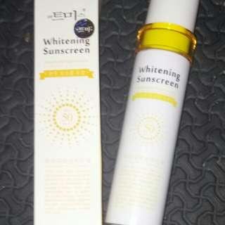 Preloved whitening Sunscreen Lotion
