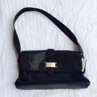 Repriced Kenneth cole hand bag