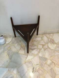 Pencil Leg Table stand , triangle