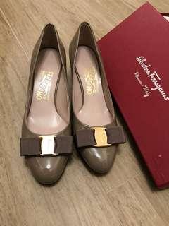 Ferragamo high heel size 6C