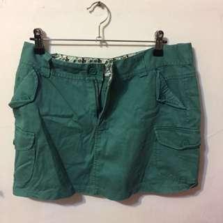 🚚 綠色碎花短裙(L)