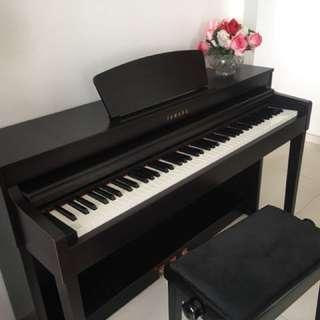Yamaha Clavinova Digital Piano,CLP 430R, in very good condition.