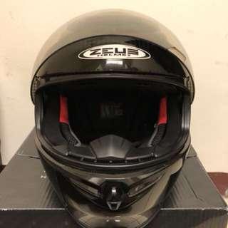 🚚 ZEUS瑞獅ZS-1600 碳纖維 全罩式安全帽 全新