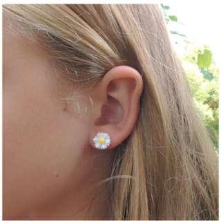Daisy ear studs