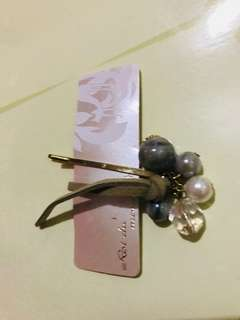 Hair clip with pearl charms from Japan ¥840