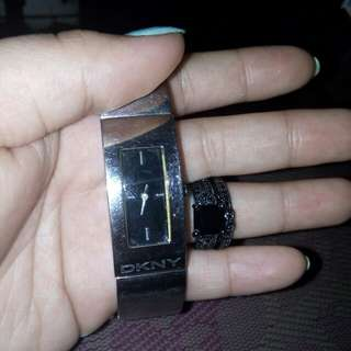 Rush..DKNY ORIG WATHC WITH RING SET..