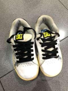DC Lamps Boy Shoes, White, Size 32