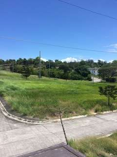 Southwinds San pedro laguna lot ang house and Lot