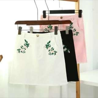 Floral skirt (white)