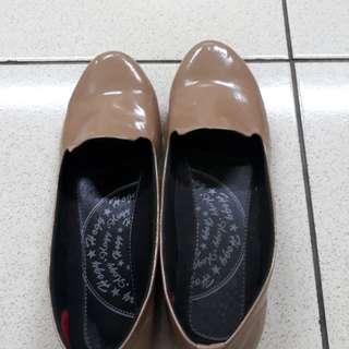 Flatshoes coklat no brand
