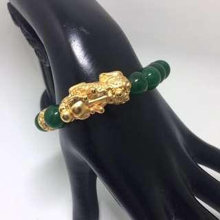Green jade ( 马来玉 )bracelet with pixiu