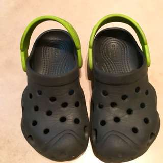 Used Crocs Original sandals sz 10. Cond:8/10. Non-nego #bajet20