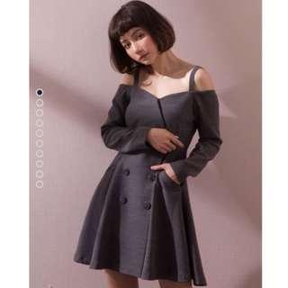 Marjorie那瞬間,排扣細肩帶小洋裝