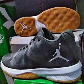 Nike jordan b fly sz 42 44