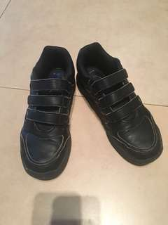 Adidas Sports shoes sz 4.5US/4UK. Cond:8/10