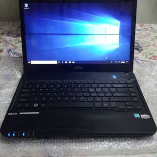 85% new Fujitsu LH522 laptop(AMD E2/2G RAM/320GB HDD/14.1INCH)