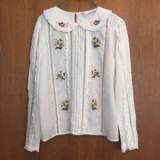 🚚 xs/s ZARA embroidered top