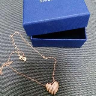 swarovski necklace rose gold crystal heart 98%new