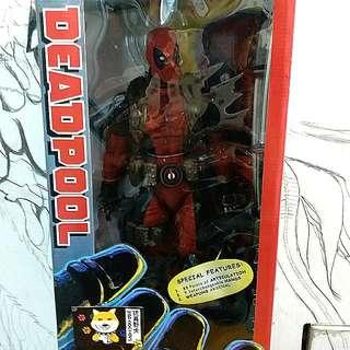 Neca Deadpool 1/4 Scale Super-Poseable Bad Ass figure