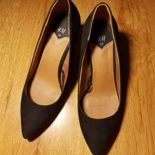H&M Black Pumps size 8