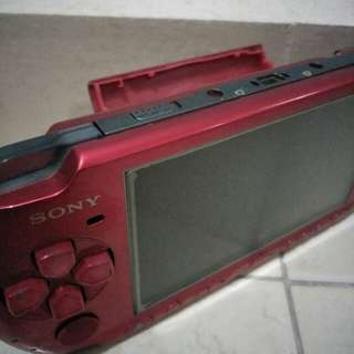 SONY RED PSP WITH CHARGES AND GAMES INCLUDED !!MUST BUY!!