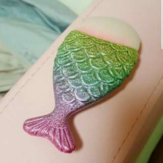 Fish Shape MakeUp Brush