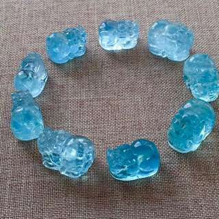 2 The natural sea blue treasure is carved hand string,