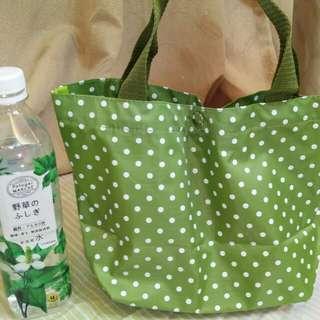🚚 防水點點草綠色手提包
