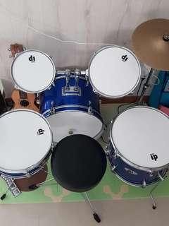 Junior drum set (toddler/kids)