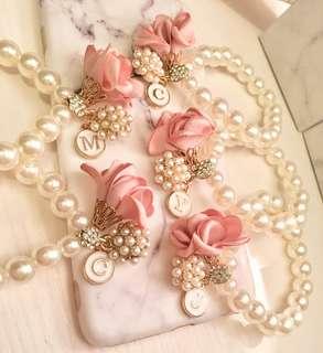 🌹姊妹系列🌹 #玫瑰 #玫瑰珍珠鏈 #手花 #耳環 #姊妹 #姊妹禮物 #晚宴 #雲石控 #Wedding #Bracelets #Earring #🤩 #🌹