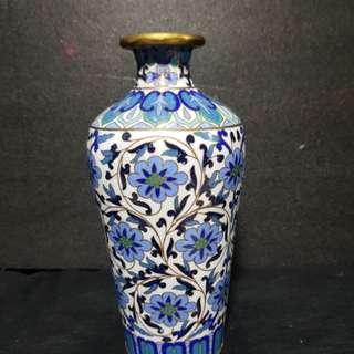 景泰蓝小花瓶。Vintage Cloisone vase.