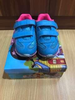 Doc mcstuffins kids shoes size 8