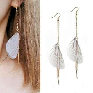 Korea Edition - Pearl Pompom Earrings