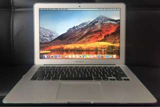 MacBook Air 13-inch mid 2015 ssd 128GB 香港行貨,功能完好,自用機,保養好,95%新,无崩,无划痕,有火牛,因換了新機所以賣。The MacBook Air 13-inch mid 2015 ssd 128GB Hong Kong licensed, well-functioning, self-use machine, maintenance is good, 95% new, no collapse, have changer.