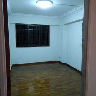 Common Room for rent@Woodlands Dr 16