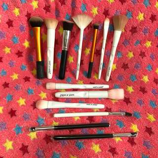 13 pcs. Makeup Brush Bundle