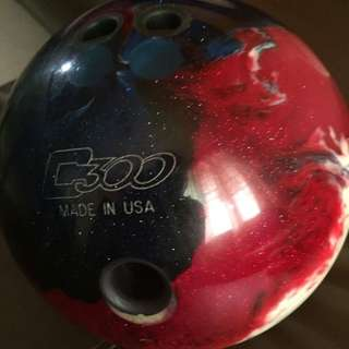 Columbia 300 White Dot Patriot Sparkle Bowling Ball