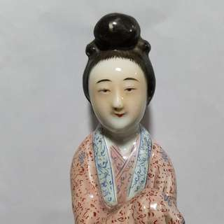 Old Porcelain Image of A Lady. 民国 瓷雕。非卖品